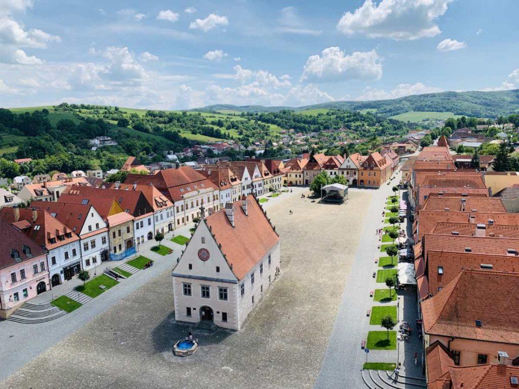 Výhľad z veže kostola sv. Egídia v Bardejove, najkrajšie mesto Slovenska