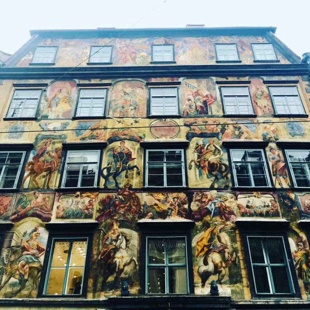 Domčeky v uličkách, Graz