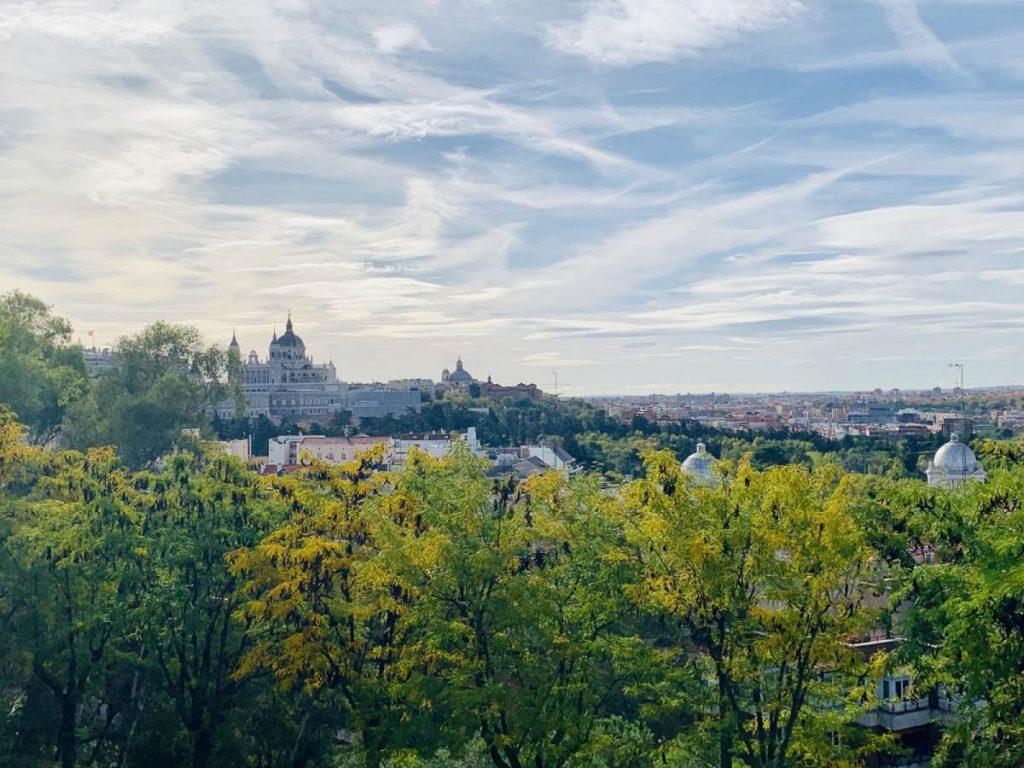 Výhľad na Madrid z parku Templo de Debod