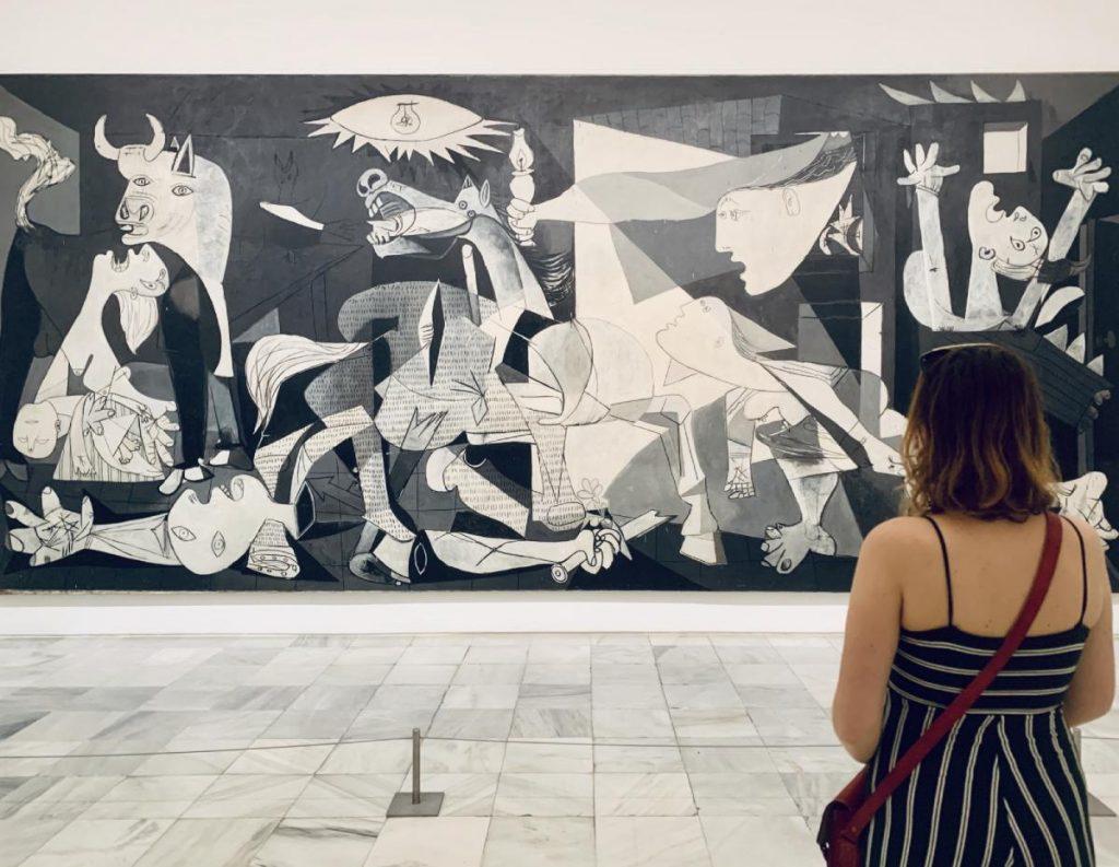 Picassova Guernica v galérii Reina Sofia, Madrid