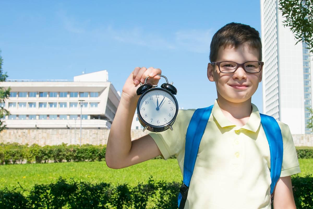 Malo by sa uzákoniť, že povinné vyučovanie nesmie trvať dlhšie ako 5 hodín denne?