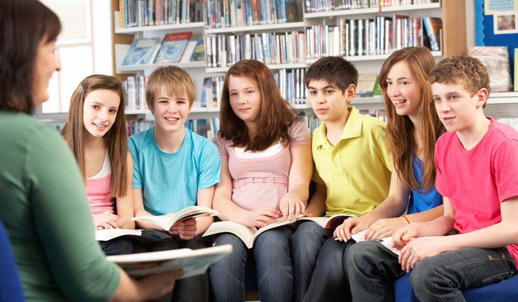 Malo by mať vedenie školy právo určovať učiteľom vyučovacie metódy?