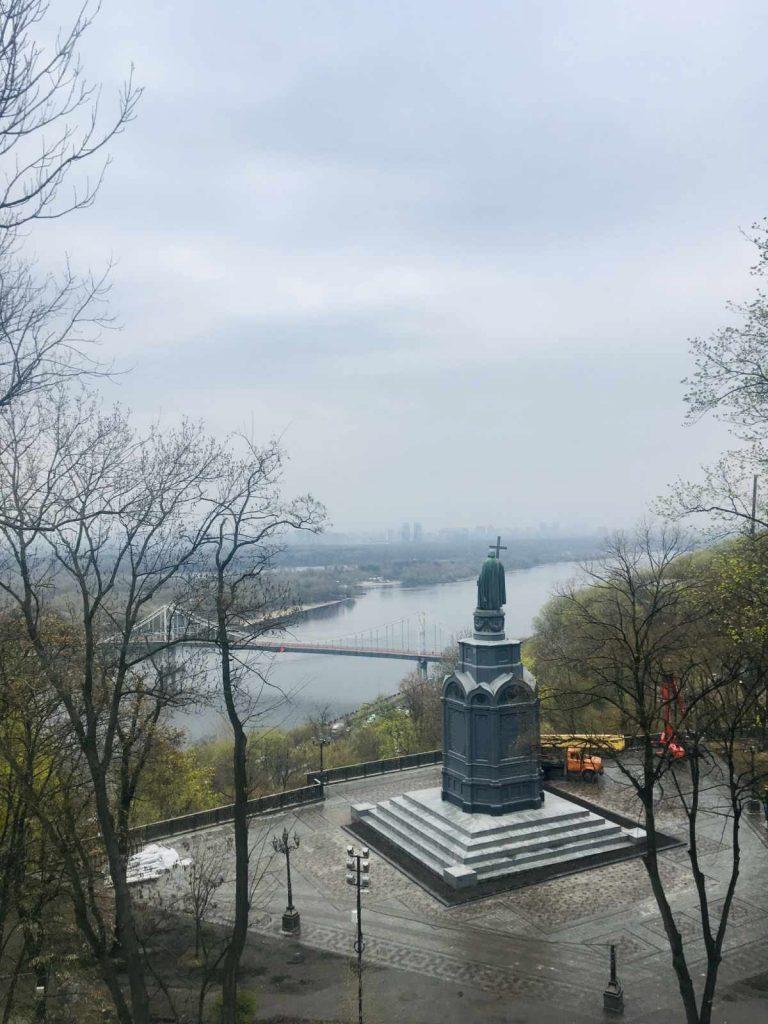Socha Vladímira I. v Kyjeve a rieka Dneper