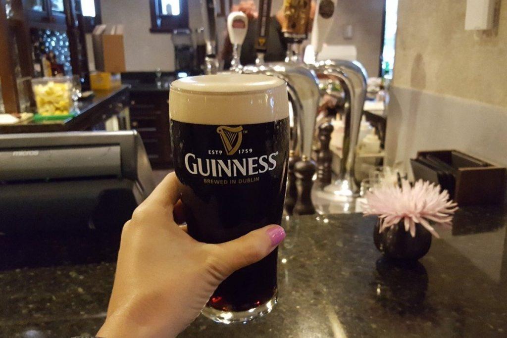 Čerstvo načapované pivo Guinness, Dublin